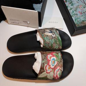 Gucci Tian GG Slides Sandals